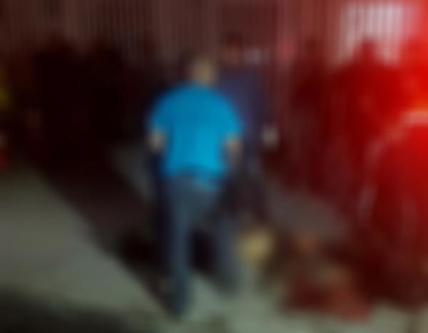 Homem é assassinado com tiros no rosto e cabeça em via pública na Cidade de Deus