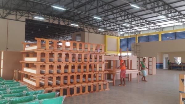 ADS entrega mobiliários  às escolas do interior do AM