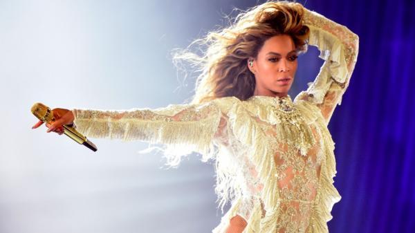 Beyoncé é acusada de praticar bruxaria e magia negra por ex-baterista