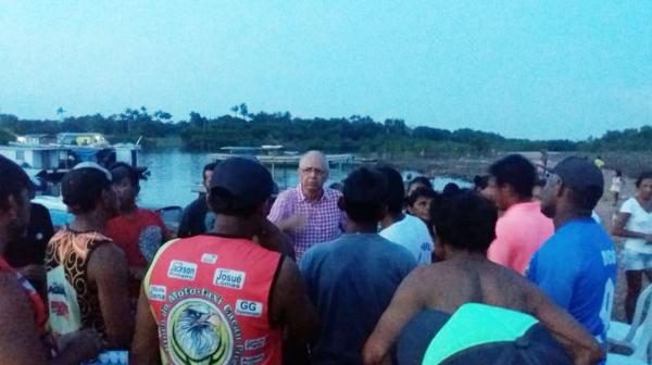 Há dois meses sem água, moradores do Cacau Pirêra querem Angelus Figueira na prefeitura de Iranduba