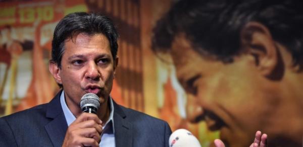 Médicos vetam ida de Bolsonaro a debates; Haddad diz que vai até enfermaria