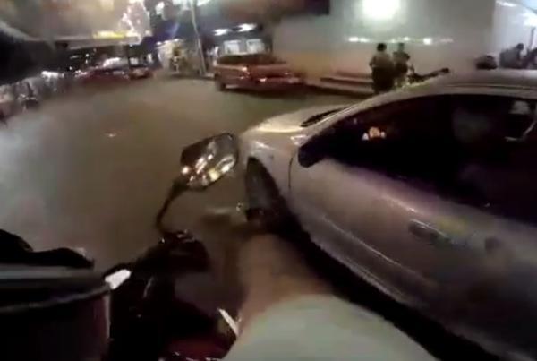 Câmera no capacete filma momento em que motociclista é baleado em briga de trânsito