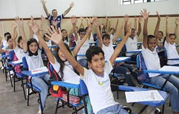 No Dia do Professor, Prefeitura de Manaus contabiliza avanços e reforça compromisso com a valorização da categoria