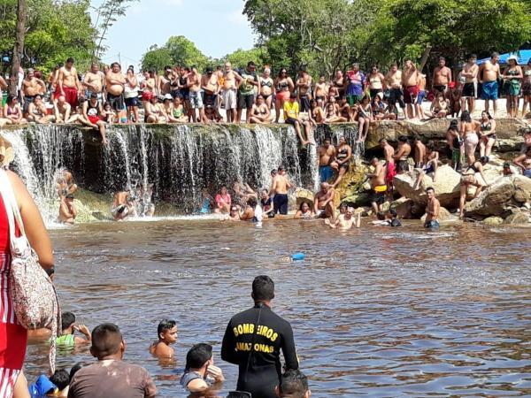 Jovem de 14 anos morre afogado na Cachoeira do Castanho, em Iranduba
