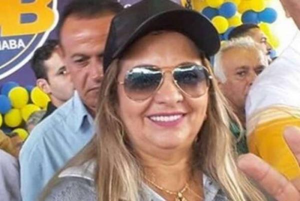 Mãe de Wesley Safadão rebate haters: