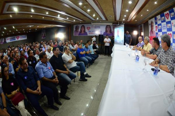 Dos 62 prefeitos do Amazonas, 58 declaram apoio a Amazonino