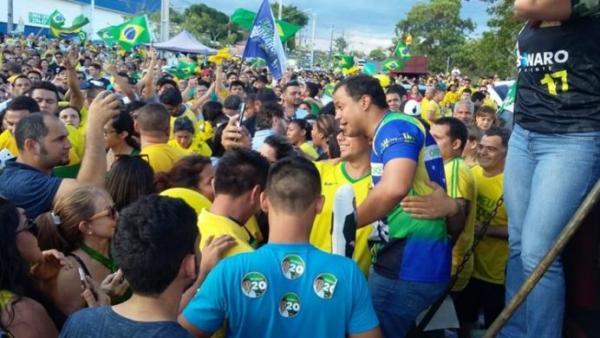 Delegado Pablo Oliva participa de movimento #PTnao em Manaus