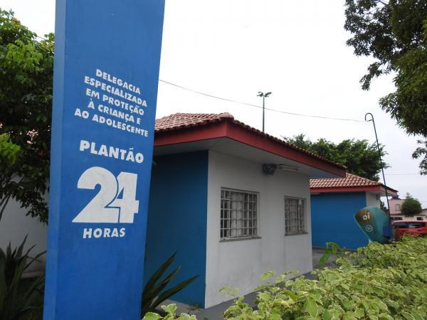 Pai é detido por suspeita de estuprar filha em Manaus; vítima diz que avó sabia do caso