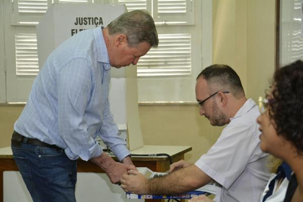 Arthur Virgílio vota 'nulo' para presidente