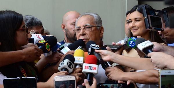 Amazonino diz que aceita a 'decisão do povo'