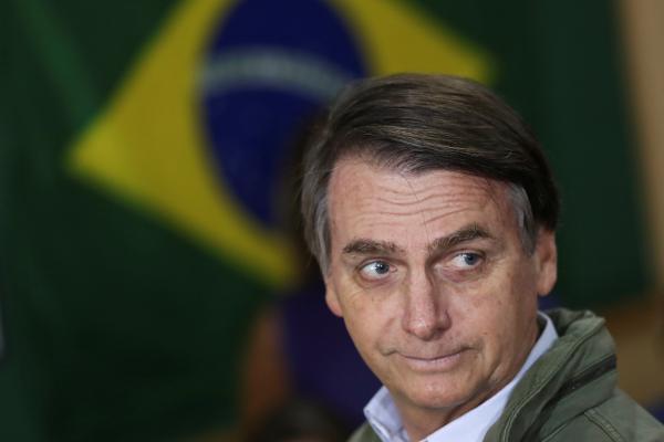 Bolsonaro diz que quer doar sobra de campanha para Santa Casa, mas lei não permite