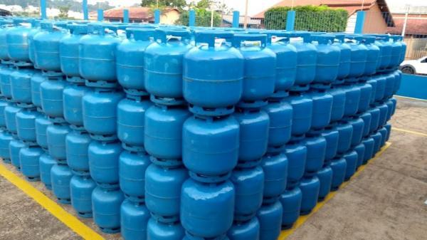 Aumento no valor de gás de cozinha reflete no Amazonas e botijão pode chegar a R$ 85