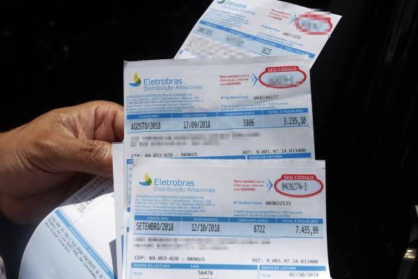 Consumidores reclamam de aumentos abusivos na conta de energia no AM