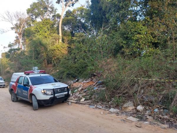 Dois corpos são encontrados por catadores de lixo em ramal na Zona Leste de Manaus
