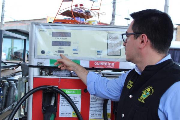 Procon notifica mais 35 postos de combustíveis em Manaus