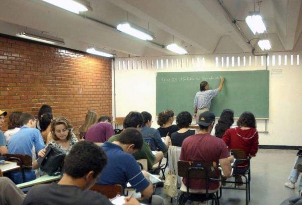 Estudantes poderão renovar contratos do Fies até a próxima sexta-feira (23)