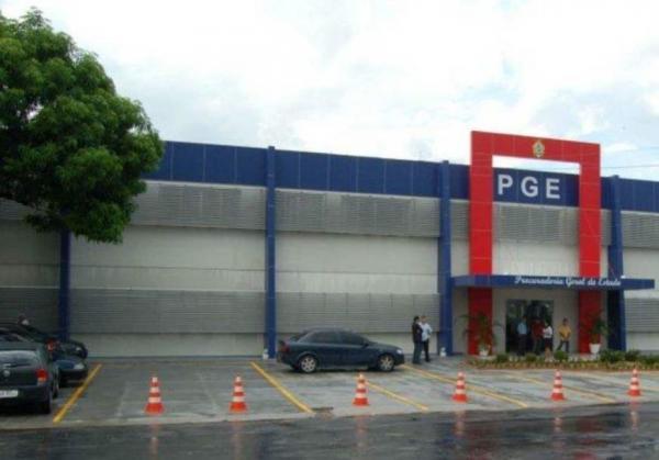 Pernambucano decide dar exclusividade a procuradores para chefiar PGE
