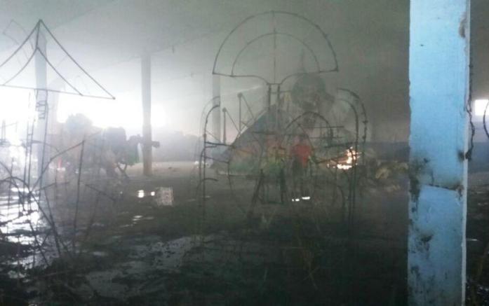 Incêndio destrói fantasias e alegorias do boi bumbá Caprichoso