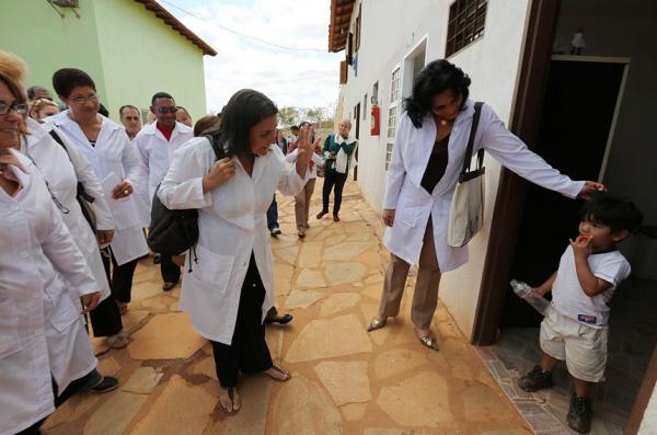 Brasileiros desistem e 200 vagas do Mais Médicos voltam a ser abertas