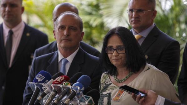 'Casamento homoafetivo é direito adquirido' diz Damares que assumirá Ministério da Familia