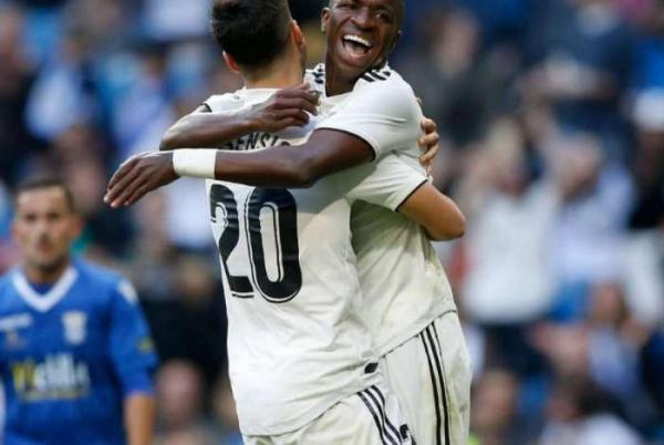 Boa, garoto! Vinicius Junior marca e Real Madrid faz seis na Copa do Rei