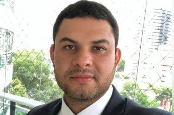 Deputado eleito Saullo Vianna é levado à PF por crime eleitoral