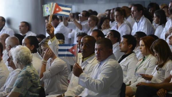 Mais Médicos: governo abrirá vaga para formado no exterior sem Revalida