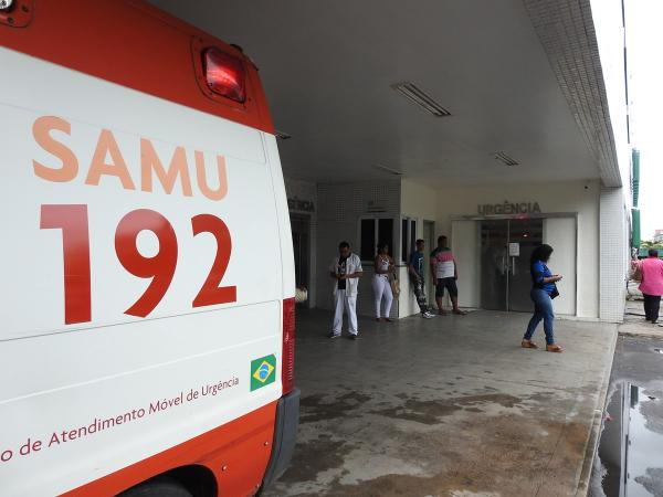 Preso do regime semiaberto é baleado e tem casa incendiada por grupo armado, em Manaus