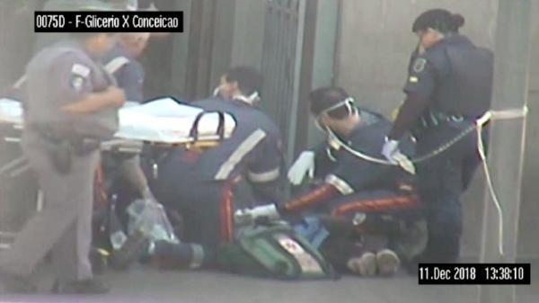Homem invade missa, mata quatro e comete suicídio em Catedral