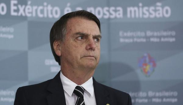 Ao invés do secretário, Bolsonaro quis saber de segurança pela PM