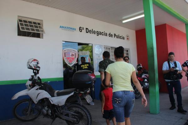 Homem é preso ao tentar comprar celular com falso depósito bancário, em Manaus