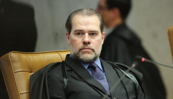 Dias Toffoli suspende liminar de Marco Aurélio sobre liberdade de presos em 2ª instância