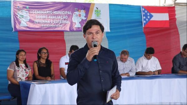 Prefeitura de Barreirinha realiza Seminário sobre Avaliação Interna e Externa da Educação
