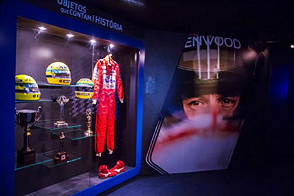 Manaus recebe exposição com acervo oficial de Ayrton Senna