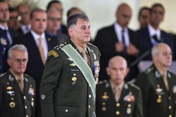 Novo comando do Exército defende exclusão de militares da reforma da Previdência