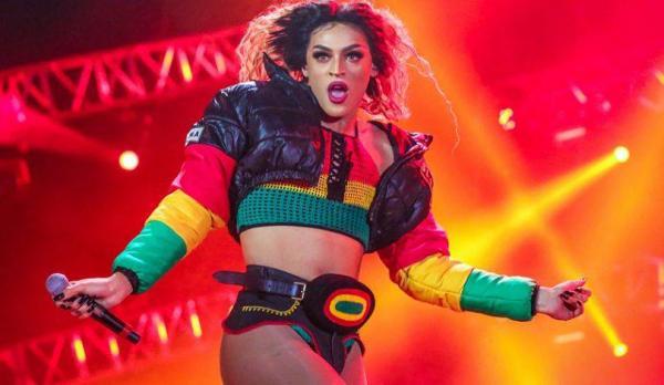 Sucesso internacional: Pabllo Vittar anuncia show em Manaus para 2019