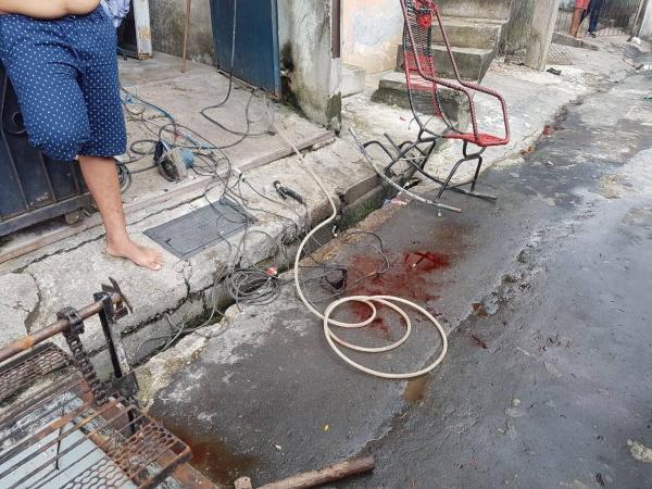Policial atira em vizinho após briga por cocô de cachorro, em Manaus
