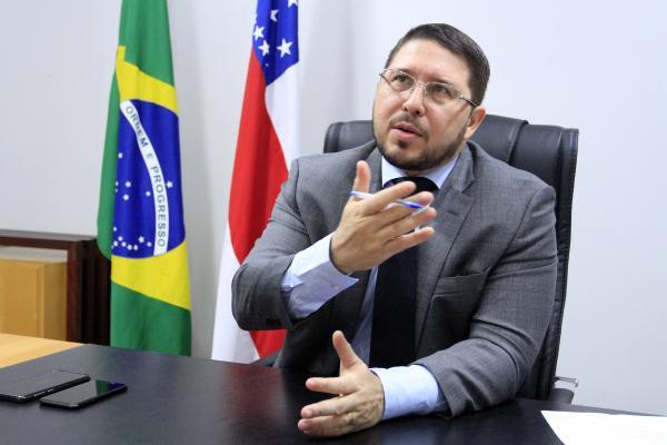 """""""A gestão inteira está carcomida"""", diz Almeida sobre governo passado"""
