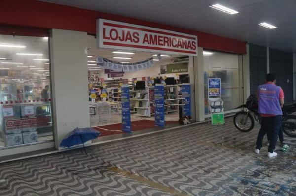 Bandidos invadem loja Americanas no Lírio do Vale e levam celulares e dinheiro