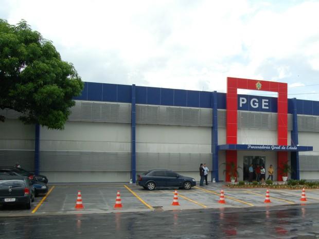 PGE-AM abre seleção para residência jurídica; bolsa auxílio é de R$ 2 mil