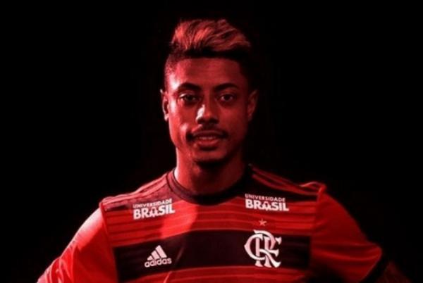 Filho de Bruno Henrique é insultado na Web e novo atacante do Flamengo reage