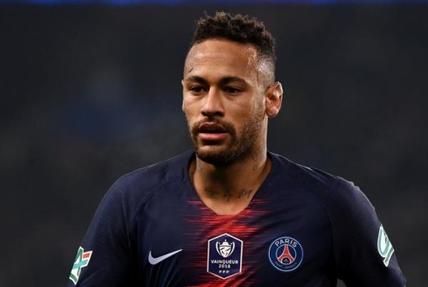 PSG divulga que Neymar não vai passar por operação e vai poder jogar a Copa América