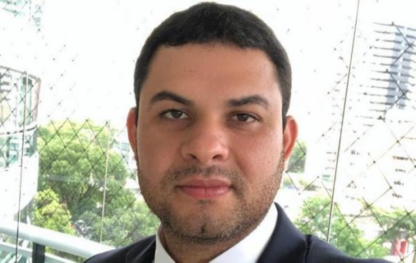 Juiz arquiva investigação contra deputado Saullo Viana
