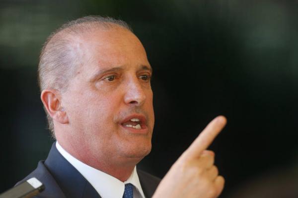 Bolsonaro volta a Brasília até sexta e deve tomar 'decisões finais' sobre Previdência, diz Onyx