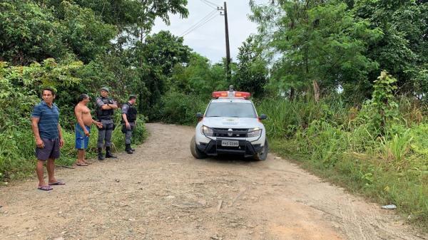 Mulher é encontrada morta com mãos amarradas e saco na cabeça, em ramal da Zona Leste de Manaus