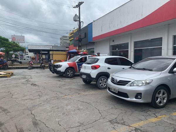 Grupo danifica cofre em tentativa de assalto a agência bancária em Manaus