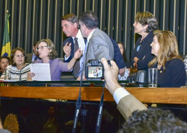 Fux suspende as duas ações penais contra Bolsonaro que tramitavam no STF