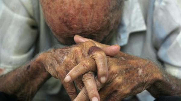 Mulher é condenada por dar apenas arroz e feijão ao ex, de 72 anos