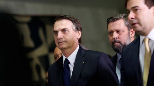 Reforma de Bolsonaro é mais dura que a de Temer