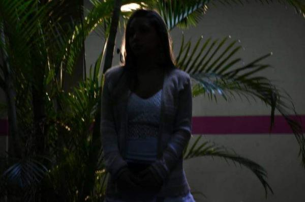 'Ele queria que subissem em mim para o neném sair', diz agredida em parto